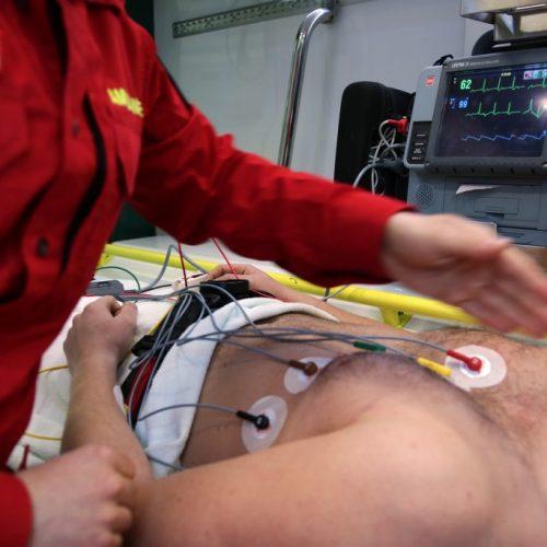 ambulance-3592155_1920-1024x683